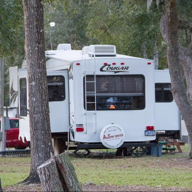 Lake Bryant Resort for waterfront RV Lots and Mobile homes in